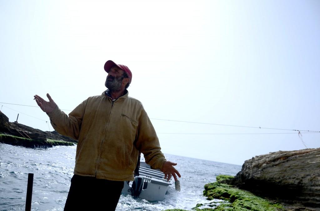 Un pêcheur libanais expulsé de Raouché - crédit photo: Emmanuel Haddad